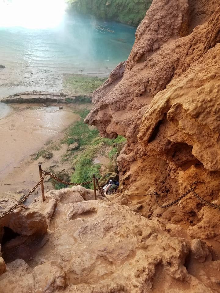 hike down mooney falls in havasu